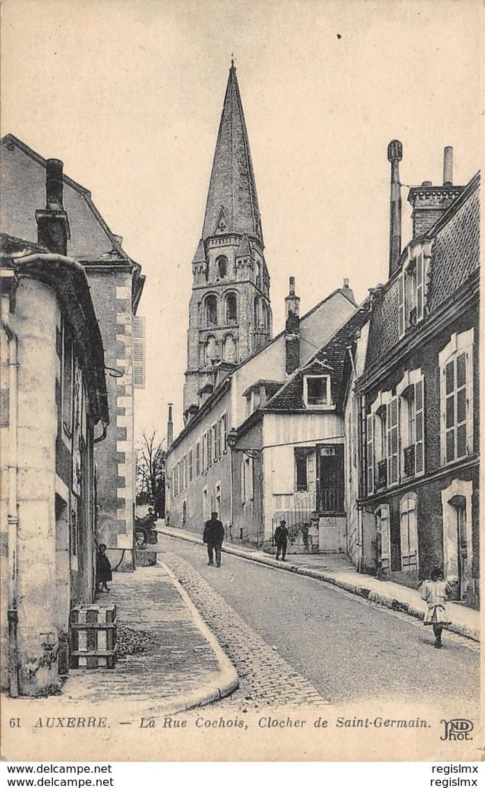 Auxerre (89) La rue Cochois CPA