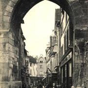 Auxerre (89) La Rue de l'Horloge CPA