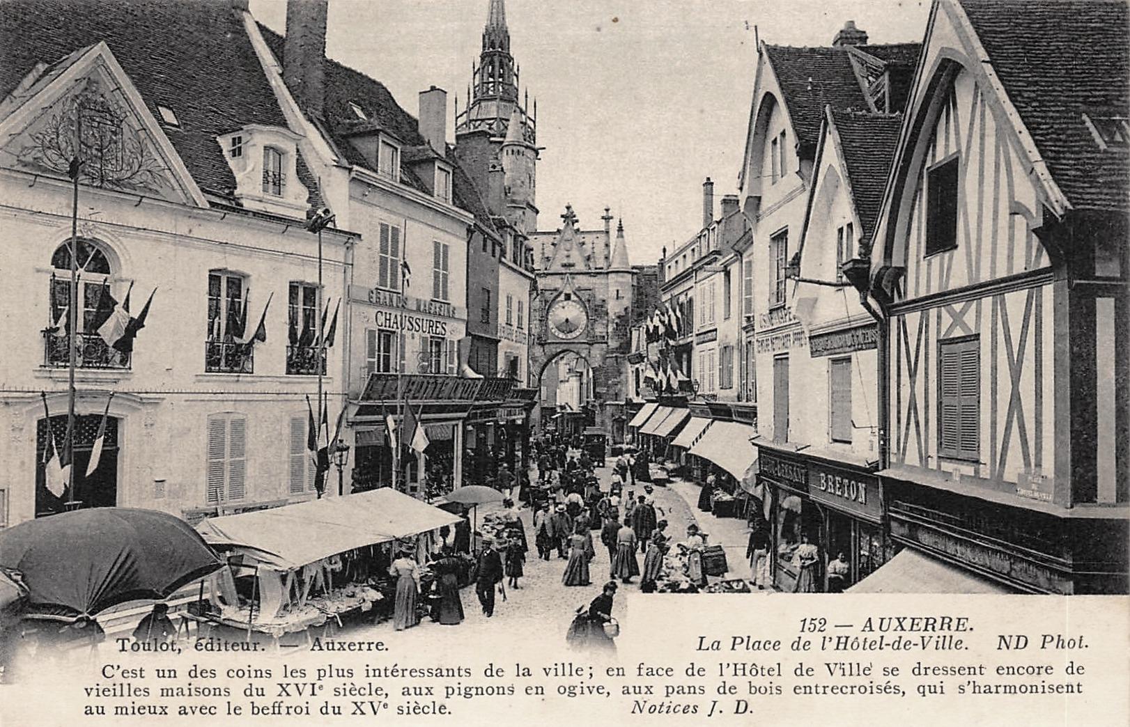 Auxerre (89) La Tour de l'Horloge CPA