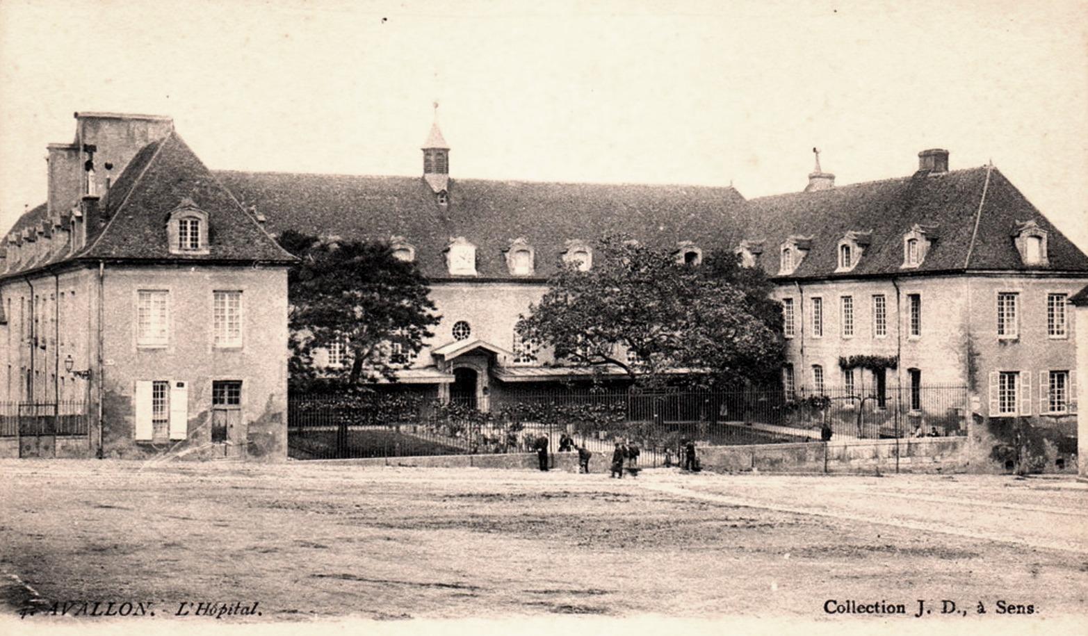 Avallon (89) L'Hôpital CPA