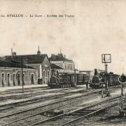 Avallon (89) La gare CPA