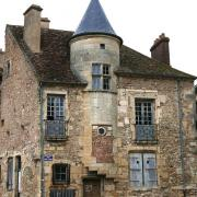 Avallon (89) La maison des sires de Domecy