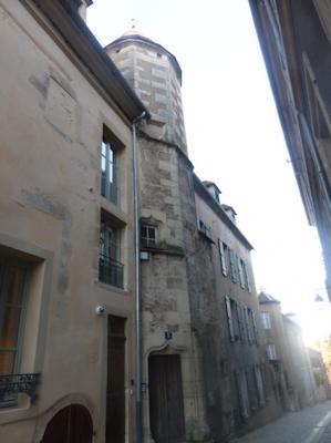 Avallon (89) La tour Catin