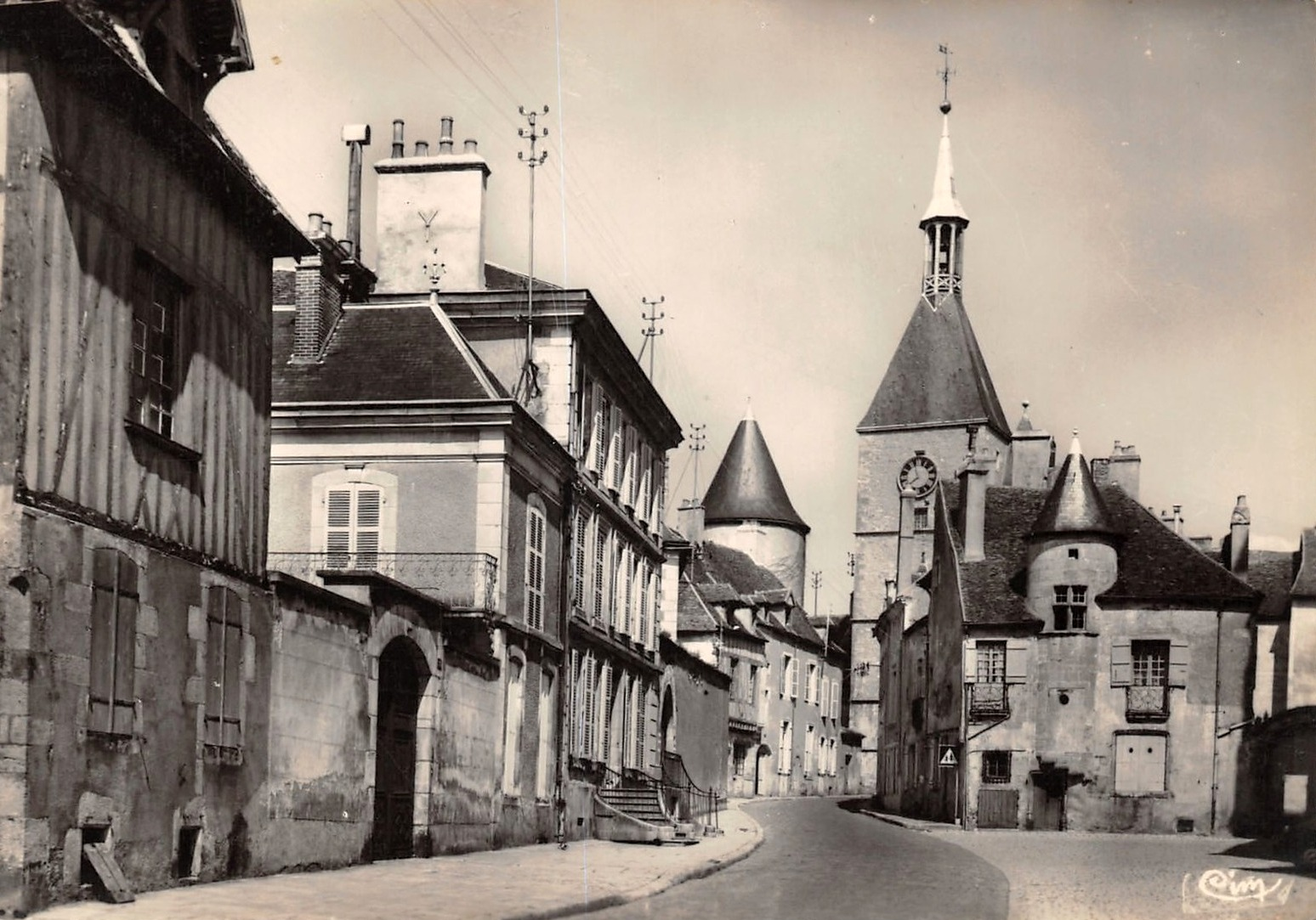 Avallon (89) La vieille ville CPA
