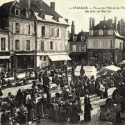 Avallon (89) Le marché CPA