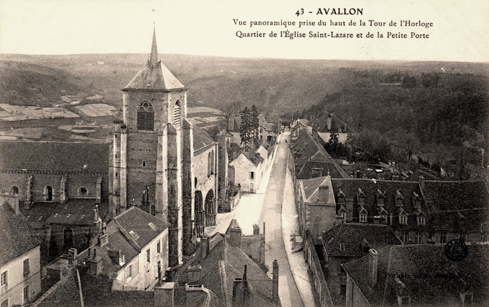 Avallon (89) Vue panoramique CPA
