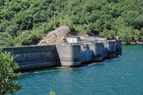 Avène (Hérault) Le barrage