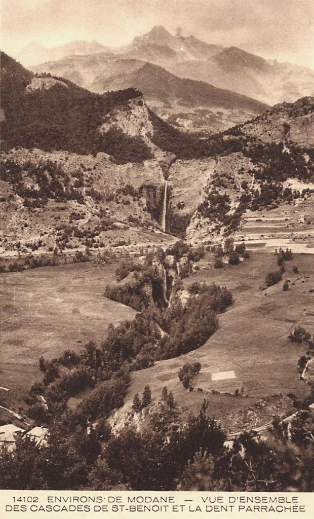 Avrieux (Savoie) Les cascades Saint Benoît et la dent Parrachée CPA