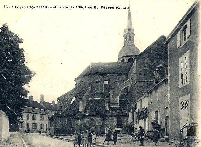 Bar-sur-Aube (10) L'église Saint-Pierre CPA