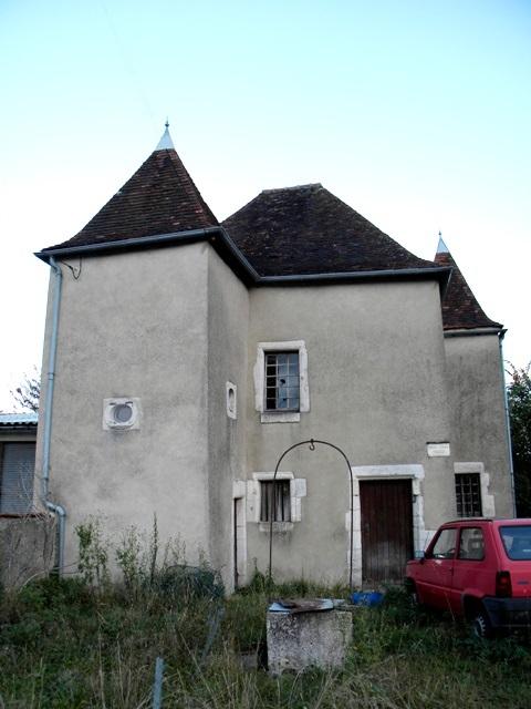 Bar-sur-Aube (10) La Maison des trois tours