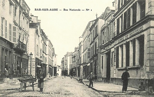 Bar-sur-Aube (10) La rue Nationale CPA