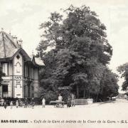Bar-sur-Aube (10) Le café de la Gare CPA
