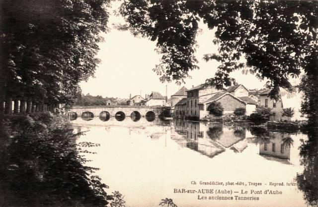 Bar-sur-Aube (10) Le pont CPA