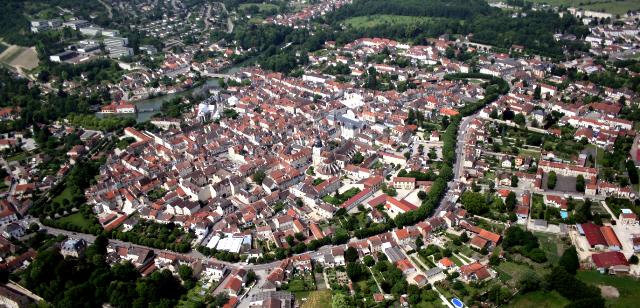 Bar-sur-Aube (10) Vue aérienne