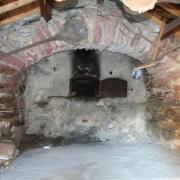 Barre (Tarn) Gos, four banal intérieur