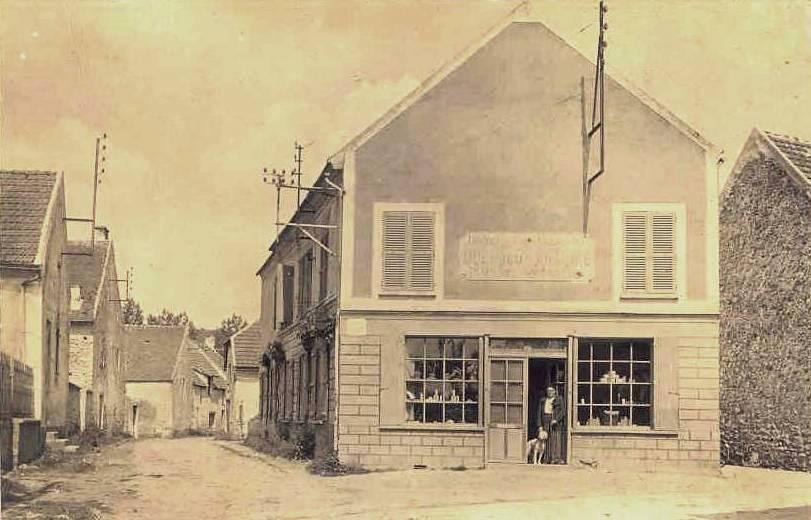 Baulne-en-Brie (Aisne) CPA Un commerce