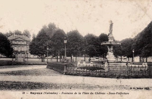 Bayeux calvados la place du chateau cpa