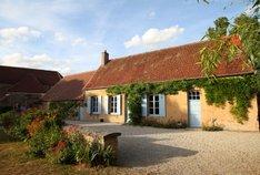 Bazoches (Nièvre) La maison communale