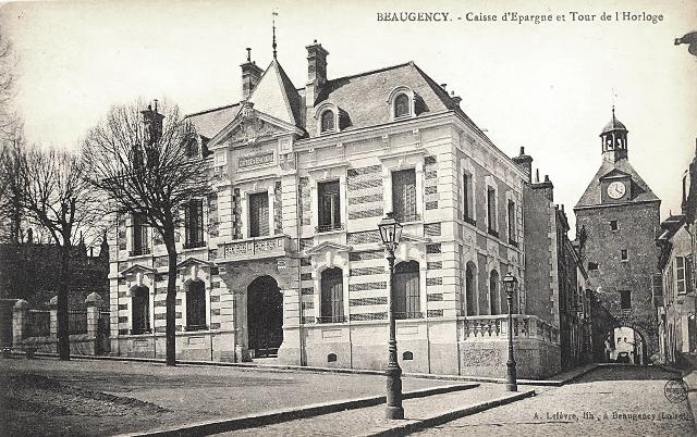 Beaugency (45) Caisse Epargne et Tour de l'horloge CPA