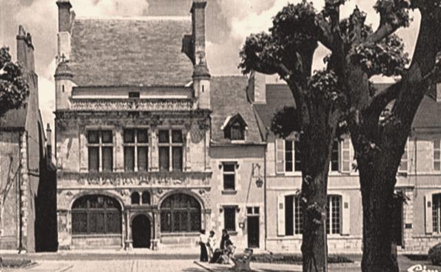 Beaugency (45) Hôtel de Ville CPA