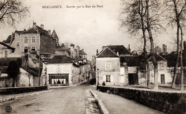 Beaugency (45) Rue du Pont CPA