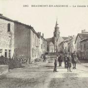 Beaumont-en-Argonne (08) Grande-rue CPA