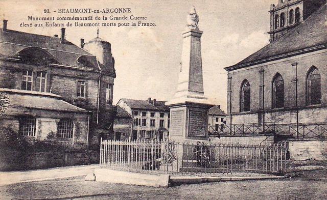 Beaumont-en-Argonne (08) Monument aux morts CPA