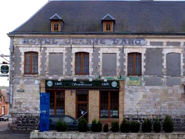 Beaurevoir aisne cafe jeanne d arc