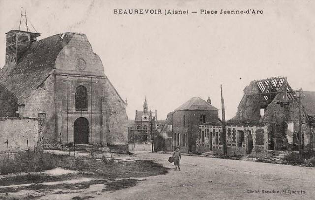 Beaurevoir aisne cpa eglise place jeanne d arc
