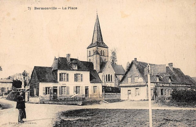Bermonville seine maritime la place de l eglise cpa
