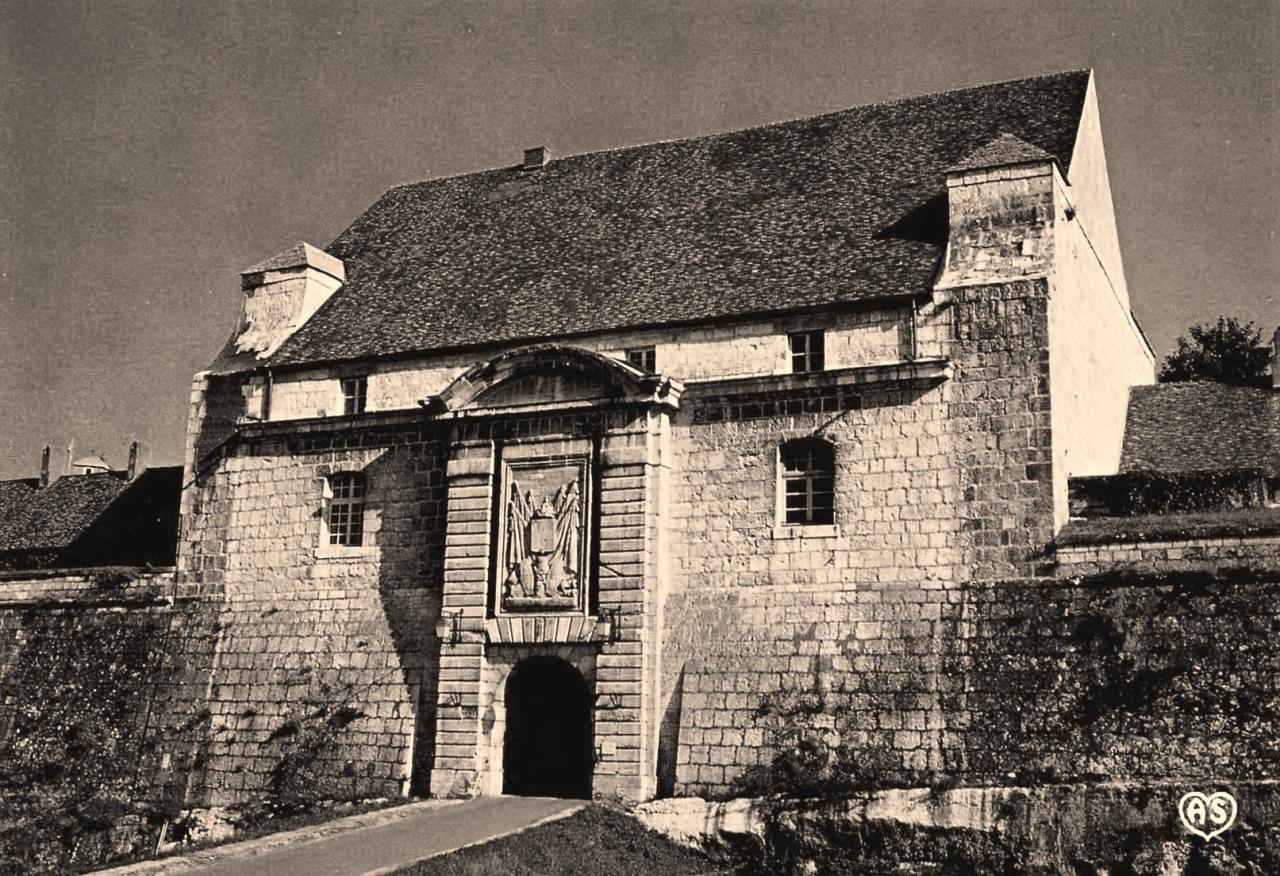 Besançon (Doubs) L'entrée de la citadelle CPA