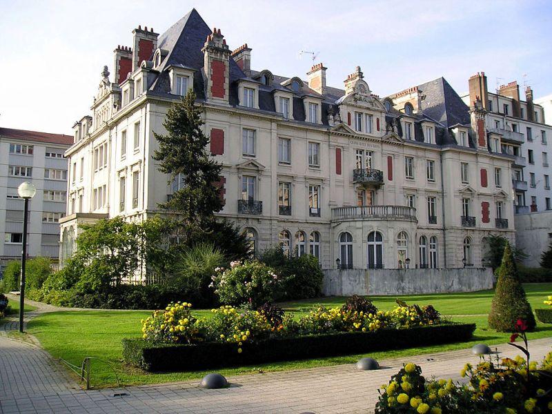 Besançon (Doubs) L'Hôtel des Bains