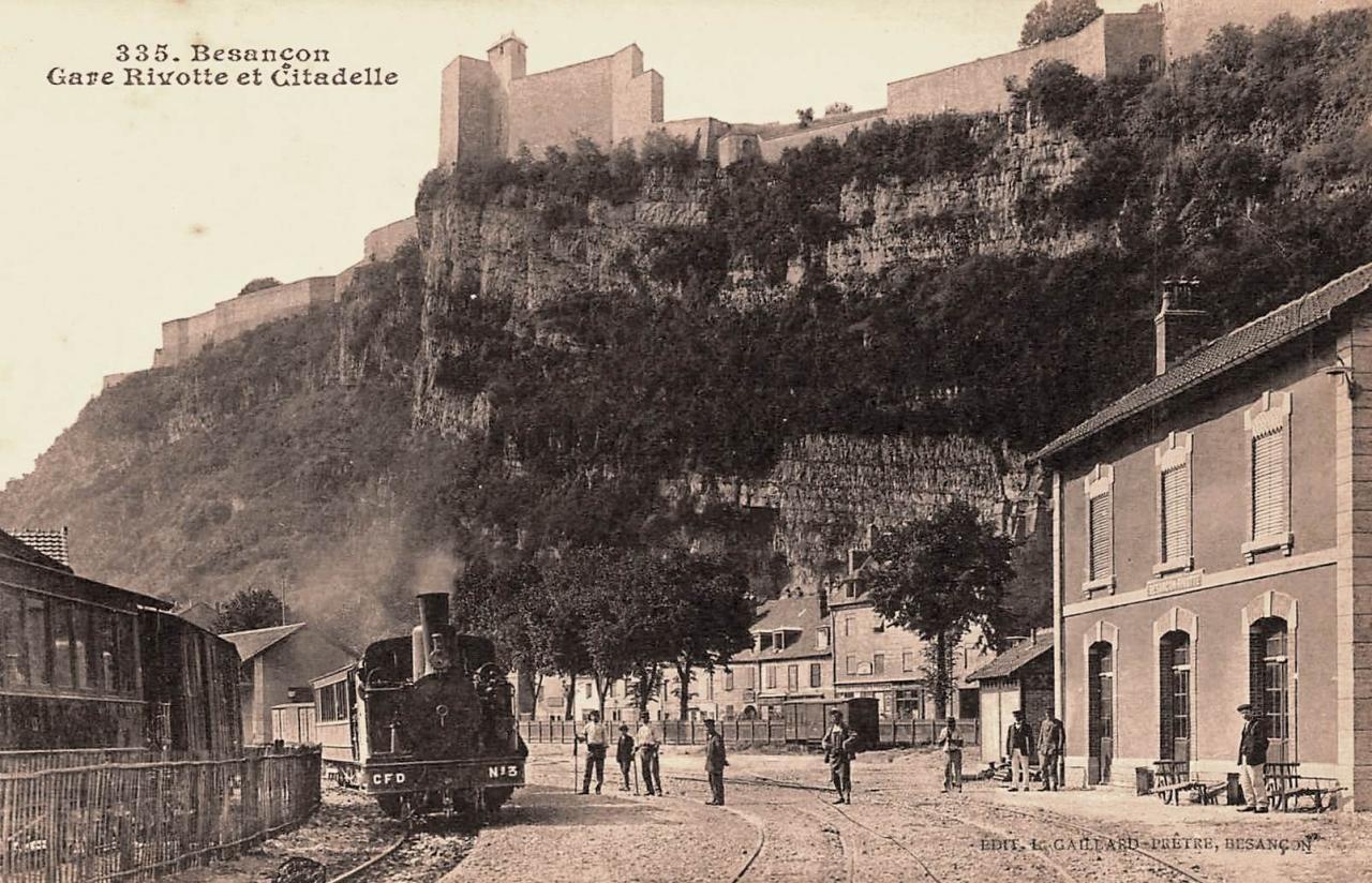 Besançon (Doubs) La gare et la citadelle CPA