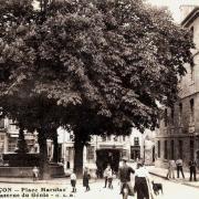 Besançon (Doubs) La place Marulaz CPA