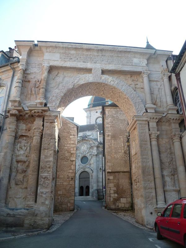 Besançon (Doubs) La porte Noire