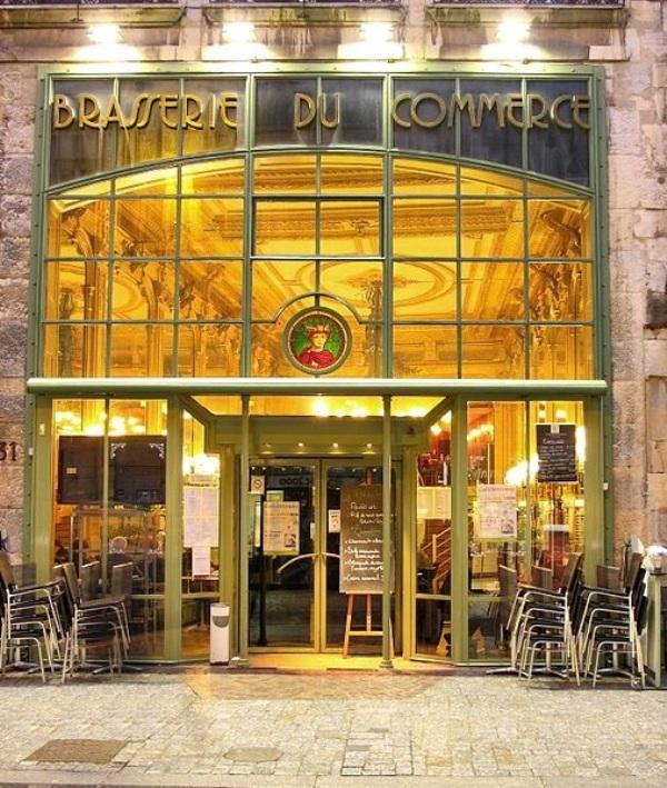 Besançon (Doubs) Le Café du Commerce