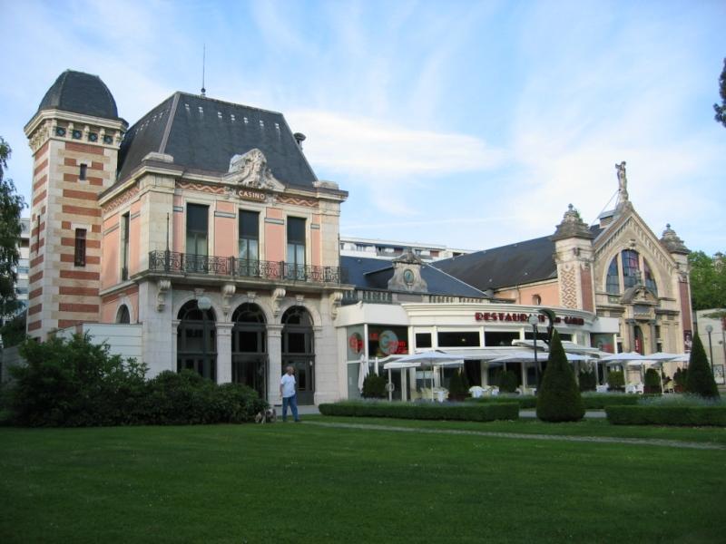 Besançon (Doubs) Le Casino