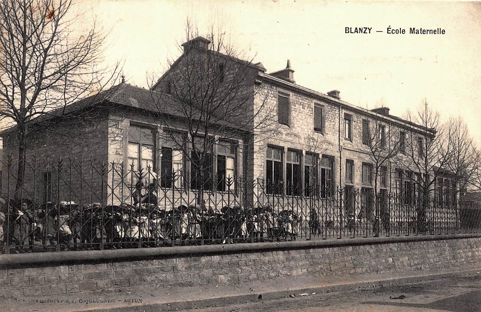 Blanzy (Saône-et-Loire) L'école maternelle CPA