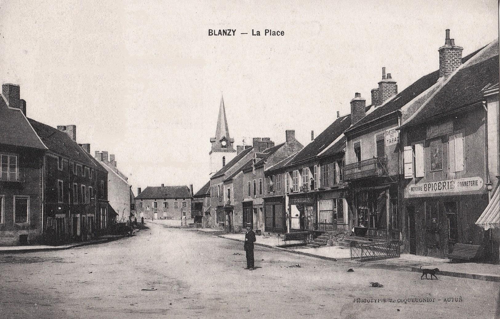 Blanzy (Saône-et-Loire) L'église et la place du marché CPA