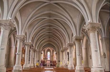 Blanzy (Saône-et-Loire) L'église Saint Pierre et Saint Paul