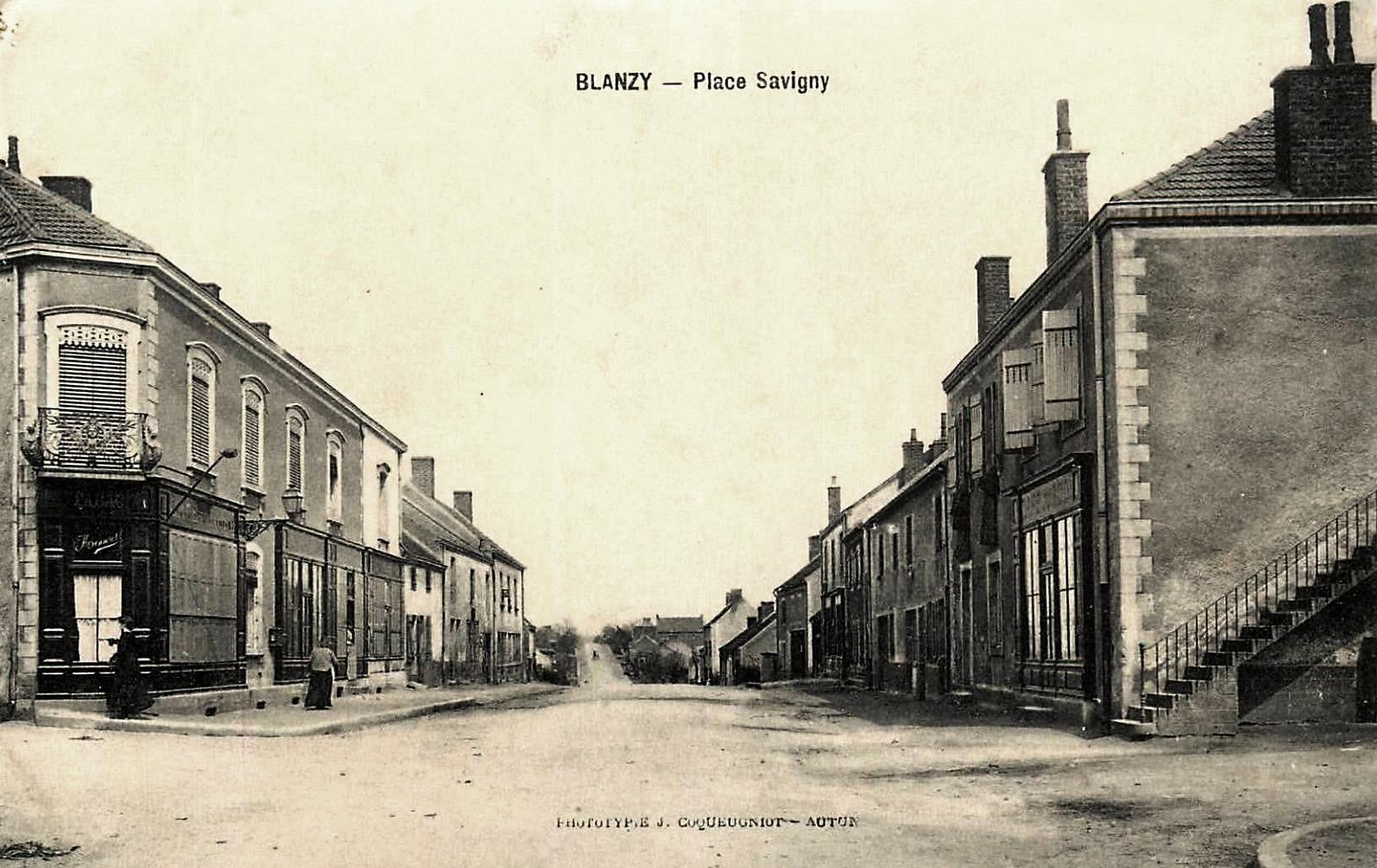 Blanzy (Saône-et-Loire) La place Savigny CPA