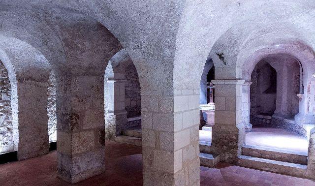 Blois (41) Crypte Saint-Solenne