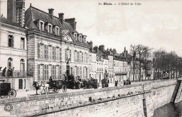 Blois (41) Hôtel de Ville et quais CPA