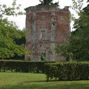 Bouconville-Vauclair (Aisne) Colombier de l'abbaye de Vaucler