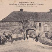Bouconville-Vauclair (Aisne) CPA Abbaye de Vaucler (entrée)
