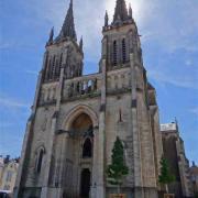 Bourbon-Lancy (Saône-et-Loire) L'église