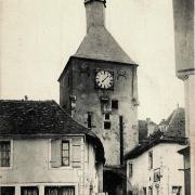 Bourbon-Lancy (Saône-et-Loire) La tour de l'horloge CPA