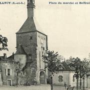 Bourbon-Lancy (Saône-et-Loire) Le beffroi, place du marché CPA