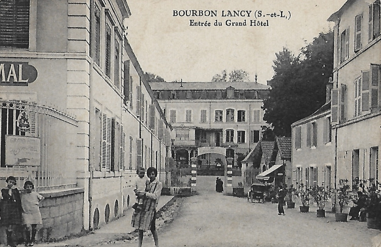Bourbon-Lancy (Saône-et-Loire) Le Grand Hôtel CPA
