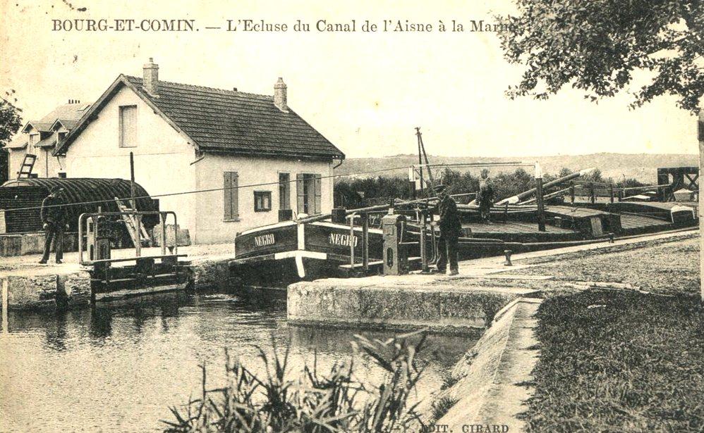 Bourg-et-Comin (Aisne) CPA Ecluse du canal de l'Aisne à la Marne